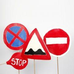 Material für Rollenspiele: Verkehrszeichen