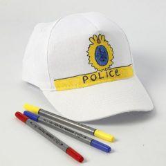 Ein Cap mit Polizei-Zeichen