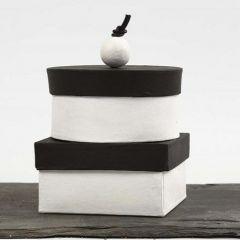 Selbstgemachte Schachteln mit Griff, bemalt mit Tafellack