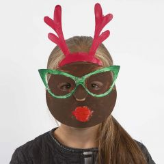 Eine bemalte Maske mit elastischem Band