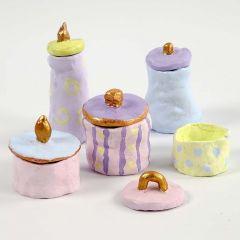 Deckeltöpfchen - modelliert aus selbsthärtendem Ton, bemalt mit Pastell- und Goldfarbe