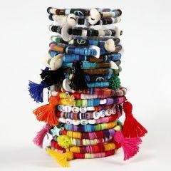 Armbänder aus Katsuki-Perlen und Troddeln
