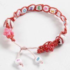 Flechtarmband mit Buchstaben-Perlen