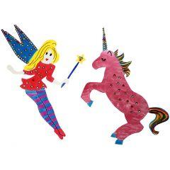 Pappfiguren, gestaltet mit Farbe, Farbstiften und Strassteinen