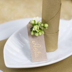 Manila-Anhänger als Tischkärtchen mit Blüte