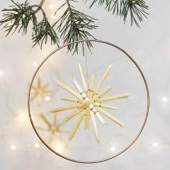 Weihnachtlicher Anhänger: Metallring mit Strohstern