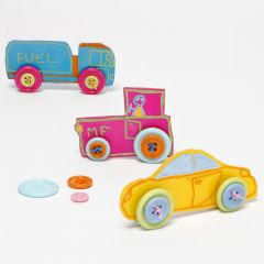 Spielzeugautos aus verzierter Schrumpffolie mit Knopfreifen