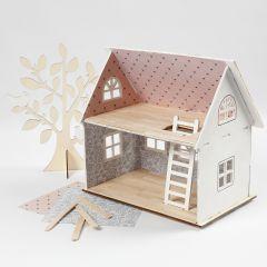 Puppenhaus, gestaltet mit Design-Papier, Holzeisstielen und Bambus-Furnier
