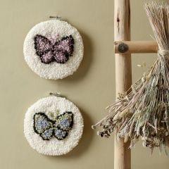 Schmetterling - Stanznadelstickerei im Stickrahmen
