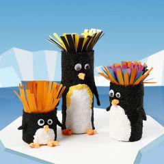 Lustige Pinguine aus kleinen Pappröhren