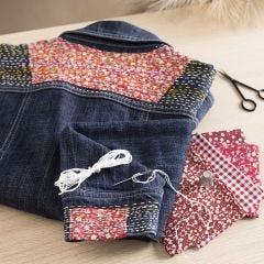 Japanische Stickerei auf der Jeansjacke