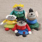 Stein-Männchen, verziert mit Plus Color-Markern und Silk Clay