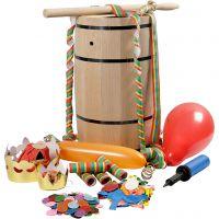 Holzfass, gefüllt mit Karnevals-Artikeln, H: 54 cm, groß, 1 Set