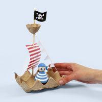 Piratenschiff, gebastelt aus einem Eiertablett