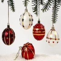 Weihnachtsschmuck aus Kunststoff