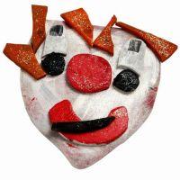 Lustige Masken aus Liegematten anfertigen
