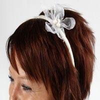Hübscher Haarreif mit Organzablume
