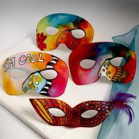 Masken mit Farbschmuck im New York-Stil