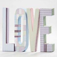 Buchstaben aus Karton mit Vivi Gade Design Papier