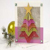 Eine Karte mit einem gefalteten Weihnachtsbaum
