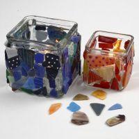 Teelichtgläser - dekoriert mit Mosaiksteinen und bemalt mit Glas-/Porzellanmalstiften