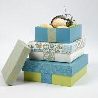 Pappmaché-Schachteln mit handgeschöpftem Papier