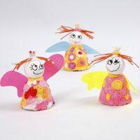 Engel aus Terrakottaglocken und Foam Clay