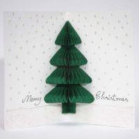 Weihnachtskarte mit Weihnachtsbaum aus Ziehharmonika-Papier