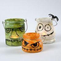 Glaslaternen, dekoriert mit Strohseidenpapier und 3D-Liner