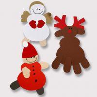 Rentiere und andere Weihnachtsfiguren aus Karton