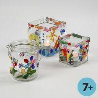 Buntes Mosaik auf Teelicht-Gläsern