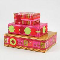 Geschenkverpackungen mit Papier aus der Vivi Gade Design Serie Hesinki