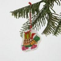 Weihnachtsbaum-Anhänger aus Schrumpffolie