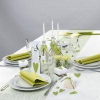 Tischdekoration von Happy Moments in Weiß und Grün
