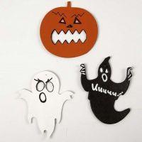 Karton-Figuren für Halloween, bemalt und dekoriert