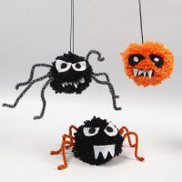 Gespenstische Tiere für Halloween - gefertigt aus Pompons, Pfeifenreinigern und Filz