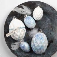 Besprühte Terrakotta-Eier