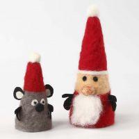 Weihnachtsfiguren aus Styroporkegeln mit Nadelfilzmantel