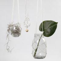 Vorrichtung für hängende Blumentöpfe aus geknoteter Kordel