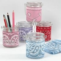 Halter für Kerzen oder Stifte mit Bandana-Decoupage
