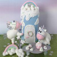 Einhörner und ein Märchenschloss aus Silk Clay
