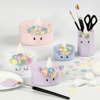Pappmaché-Boxen im Einhorn-Design, verziert mit Foam Clay