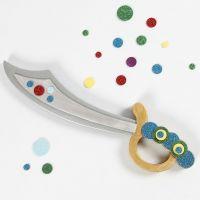 Piraten-Schwert, dekoriert mit glitzerndem Moosgummi