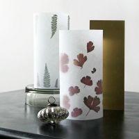 Lampen aus Vlieseline mit botanischen Mustern