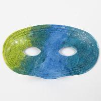 Bemalte Kunststoffmasken