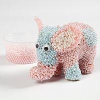 Elefant aus Pappmaché, verziert mit Pearl Clay und Wackelaugen