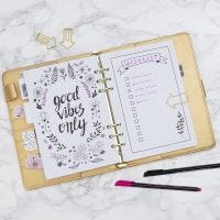 Wunschliste, geschrieben in ein Bullet Journal