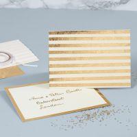 Grußkarte mit Perlmuttschimmer, verziert mit goldenen Folienstreifen
