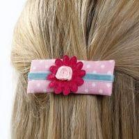 Haarspange aus Karton, Schaumstoff, Stoff, Band und Zierblüte