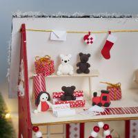 Der Wichtel bastelt Weihnachtsgeschenke
